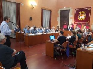 Enric Badia defensant la concessió del títol de Manresà Il·lustre a Josep M Planes